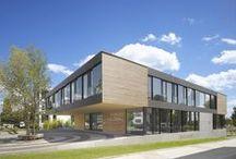 FORUM HOLZBAU / Unser Verbandsgebäude, das Forum Holzbau in Ostfildern, ist nicht nur Anlaufstelle für die gut 1100 Mitgliedsbetriebe von Holzbau Baden-Württemberg, sondern bietet auch hochmoderne Seminarräume. Mehr Informationen unter http://www.holzbau-online.de