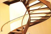 Treppenbau / Auch um den Treppenbau kümmert sich Ihre lokale Zimmerei