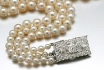 Perfect Pairings / Hard to resist the perfect strand of pearls! View our gorgeous strands at: www.sevenseaspearls.com