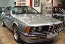 BMW 635 CSi - AÑO 1980 / MARCA: BMW MODELO: 635 CSI CARACTERÍSTICAS: 3.500 C.C., 217 CV, AIRE ACONDICIONADO, DIRECCIÓN ASISTIDA, TECHO SOLAR ELÉCTRICO, TAPICERÍA DE CUERO, RADIO-CD, LLANTAS ALPINA + LLANTAS ORIGINALES, LAVAFAROS, ESPEJOS ELÉCTRICOS, FULL EQUIPE, 140.000 KMS. ORIGINALES, MATRÍCULA ORIGINAL (M), DOCUMENTACIÓN e ITV AL DÍA.  AÑO: 1980 PRECIO: 12.000.- €  MÁS INFORMACIÓN EN: http://antequeraclassic.com/bmw_635_csi.htm
