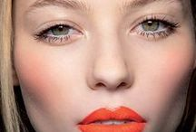 Lip Love Addiction / One of the most beautiful features on a woman's face is her lips. At CAILYN, we love bold, fun, and vibrant shades of lip colors. Here are some of our favorite lip looks!