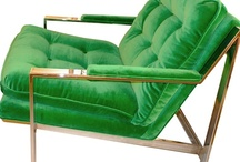 Accent Color: Green / Emerald is the Pantone Color of the Year!