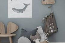 Nautical nursery - whale theme, navy blue designs / Who doesn't love whales and the sea? Kids love them for sure, so here is a great selection for new Moms to find beauties and ideas for a nautical theme nursery room.