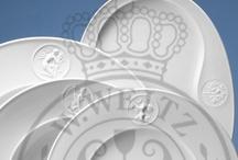www.kpm-porzellan-shop.de / Die Königliche Porzellan-Manufaktur Berlin (KPM) ist DAS Unternehmen, wenn es um designorientiertes Manufakturporzellan geht. Rund 250 Jahre gibt es bereits die KPM - mit unserem Spezial-Shop versuchen wir dieser edlen Porzellantradition gerecht zu werden.