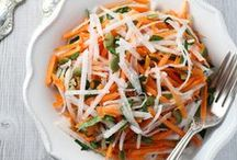 Clean Eating Salads / Clean eating and low glycemic salad recipes from my blog and from around the web.