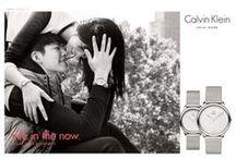 Calvin Klein / Calvin Richard Klein, leta 1942 rojen ameriški modni oblikovalec je s svojimi kolekcijami ročnih ur, ki jih izdelujejo pod licenco Swatch Group, razširil svojo modno filozofijo in predstavil nekaj stilsko najbolj dovršenih modelov na trgu. Blagovna znamka se na trgu pojavlja že celo desetletje, odlikujejo jih visokokakovostni švicarski mehanizmi in prefinjene oblike z značilnim rekom »manj je več«.