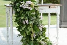 Wedding Flowers / Whether classic or undone, neutral or colourful, and full of greenery or blooms, florals add the finishing touch to any wedding setup.