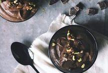 Czekoladowa rozkosz / Chyba nie ma na świecie nikogo, kto nie lubiłby czekolady. Nie trzeba być wielkim czekoladowym łasuchem, żeby skusić się choć na kawałeczek czekoladowej przyjemności.