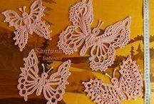 Háčkovaní motýli