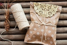 unique gifts wrapping ideas / by Dorothy Anderson