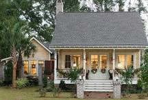 beautiful bungalows / by Jackie Cavitt