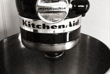 K I T C H E N / Kitchen Design & Stuff  / by Rowena Gässler