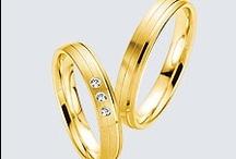 Colectia Twin Set /  Pentru cei care preferă modelele simple, cu linii fine şi delicate, verighetele de aur din colecţia Twin Set sunt ideale. Alegeti verighetele de la Saint Maurice din colecţia Twin Set, daca va caracterizează naturaleţea si discreţia.
