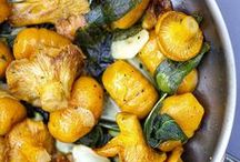 Ⓥ All Gnocchi / Recipes to make homemade gnocchi and ideas for cooking it.