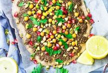 Ⓥ Vegan Pizzas / Ideas and recipes for amazing homemade pizzas, unusual pizza bases and unique pizza topping combinations. All vegan, and vegetarian, some gluten-free.