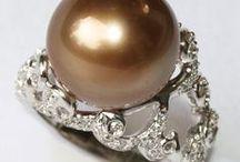 Our Pearl Jewellery  / 南洋白蝶真珠の名産地、インドネシア・ロンボク島からこんにちは!私達のオリジナルジュエリーをどうぞご覧下さい。