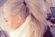 langt blondt hår