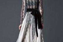Společenské šaty v černobílé kombinaci barev / Variace společenských šatů v trendy černobílé kombinaci barev. Ušijeme na míru a přání klienta. LENA.BE