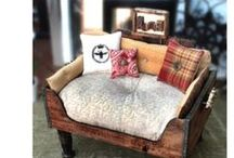 Wandaful Cat and Dog Beds / Wandaful ideas for cat and dog beds to make for your cherished furry friends.