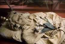 Mummies of the World / A collection of mummies from all around the world. http://www.weirdczechia.com