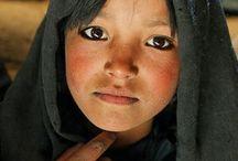 Children from around the world / by Michelle Dismont-Frazzoni