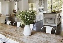 Farmhouse Friday / TGIF & what better way to get ready, a little farmhouse decor and idea inspiration.