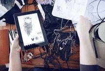 """Projektują dla Minnie / W ramach projektu """"Minnie - Ikona stylu"""" zaproszono do współpracy pięciu rodzimych projektantów mody. Joanna Misztela, Asia Wysoczyńska, Aga Prus, Kuba Żeligowski oraz kolektyw CADO zaprojektowali i zrealizowali unikatową linię odzieży, obuwia oraz akcesoriów, zainspirowanych stylem Minnie. Wspólnie wypracowany koncept w stylu """"high–fashion"""" ma na celu zwrócić uwagę miłośniczek mody na to, jak czerpać z ulubionych motywów popkultury."""