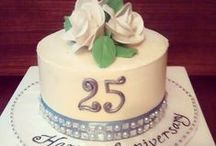 Personalized Cakes / For a special occasion, you would like everything to be customized. We do personalized cakes which are unique, innovative and handcrafted to make your day truly memorable