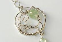Wirework, macrame, felt & fibre jewellery / by Lorraine Newman