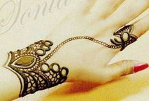 Henna tattoo / Because the henna tattoo gives power necessary for me and purifies it, I love it!