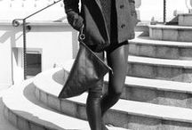 "Leather bag - Twist / Leather handbag made by Bagcyl.   Handmade item.  Colour: black.  Materials: natural leather, silver zipper. Width: 29 cm, height: 38 cm. Wersja skórzana torebki ""Twist"". Materiał: skóra naturalna, satynowa podszewka."