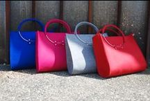 Handbag of Italian felt. Elegantka. / Elegantka handbag is made of high quality felt. The bag has a zipper. In the inside is a small pocket and a special clasp for attaching keys. Dimensions: height of the bag without wheels: 30 cm width at the top of the bag: 35 cm width at the base of the bag: 37 cm.