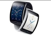 Samsung Gear S / With the Samsung Gear S the Korean brand goes one step further, providing to the smartwatch a bigger independence from the smartphone, including a slot for a SIM card, 3G and WIFI connectivity, plus a GPS. Samsung keeps betting on Tizen, its own operative system, in order to provide the best user experience. The Gear S is the first smartwatch, which allows answering calls, SMS or mails, without taking the mobile with you.