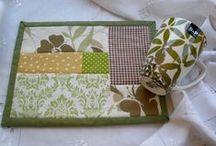 mug rugs, pincushions / practical !
