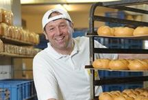 Die Backstube - Wienerroither, ma guat! / Hier wird gearbeitet. Mit den Händen. Und mit Leidenschaft, Know-How und viel Zeit für den Teig. Die Wiege für unser Brot und Gebäck also.