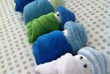 How to make Diaper Art and Other sweet Baby Gift Ideas / Baby shower.......cute ideas for a baby gift / by Marieke Janssen