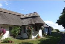Cottages Ireland - Rose Cottage / Originally a fisherman's cottage built over 300 years ago, Rose Cottage has recently been renovated and re-thatched and extended to make exceptionally high standard of holiday cottage accommodation for up to 4 people.