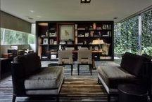 Interiores / Tablero que muestra proyectos ajenos a Mo.A, que sirven para expresar nuestras preferencias arquitectónicas