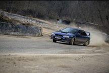 Fandové a legendy / Rádi se účastníme nadšeneckých závodů nebo srazů majitelů Subaru, které také zveme na oficiální akce českého Subaru. A bývá to nádherná podívaná.