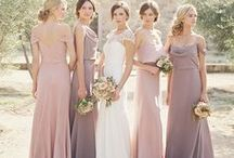 BLUSH WEDDING / Rose gold jewelry, accessories, dresses, and wedding decor, all in this feminine warm color. Incorporate rose gold into your wedding color palette.