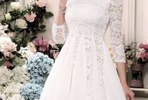 LITTLE WHITE DRESS / The perfect elegant, chic, and simple wedding gown.
