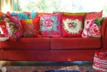 Colourful Home / I'm starting to dream again about home decoration.  I love colourful rooms and furnishings!