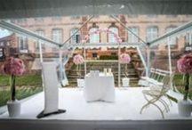 Mariage laique / Décoration du lieu de cérémonie, traiteur, idée de cadeaux convives, ornements floraux, animations, mise en lumière et décor de la salle de réception : Nuances Evénementiel se charge de vous organiser le mariage qui vous ressemble !