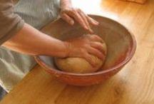 Kinder: In the Kitchen / Preparing food in the Waldorf Kindergarten. Koken in de kleuterklas van de vrijeschool.