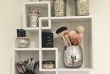 [MAKE UP STORAGE]
