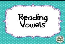 Reading - Vowels / Phonics activities with vowels