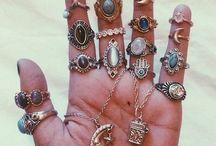 jewellery ↠ / Necklaces, rings, bracelets