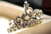 Crown Rings | EVOLEES / Click the image to easily buy.