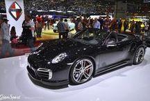 """GENEWA 2015: TECHART PORSCHE 911 TURBO S CABRIOLET / Ideałów się nie zmienia. Czy zatem modyfikacje kultowego Porsche 911 Turbo mogą się udać? Najnowsza generacja """"Turbiny"""" niebezpiecznie zbliża się to produktu idealnego. TECHART znalazł jednak mankamenty i tutaj, eliminując je w pokazanym na Targach w Genewie czarnym egzemplarzu 911 Turbo S.   Więcej przeczytacie na blogu: http://gransport.pl/blog/genewa-2015-techart-porsche-911-turbo-cabriolet/"""