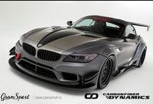 Carbonowe dodatki dla BMW Z4 E89 / Wyścigowy wygląd w połączeniu z wygodnym, seryjnym samochodem? Teraz to możliwe!  W naszej ofercie znajdziecie bogaty wybór dodatków z włókna węglowego do BMW Z4 E89. Wśród akcesoriów znajdują się zarówno bezkompromisowe elementy o wyścigowym charakterze jak i znacznie dyskretniejsze, podkreślające sportową nutę BMW.  Sprawdźcie sami w GranSport - Luxury Tuning & Concierge! http://gransport.pl/index.php/carbon/bmw/z4-e89.html